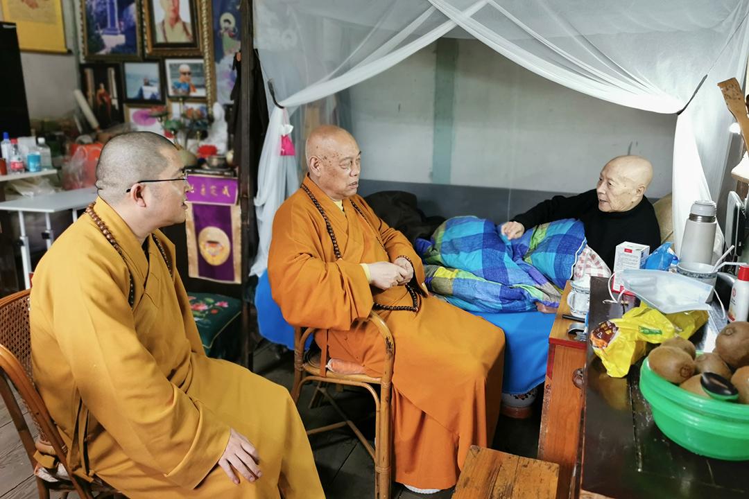 会长道慈大和尚一行赴宁波天童禅寺探望修祥老和尚