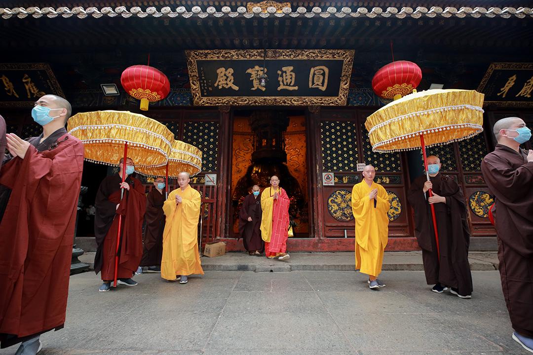 辛丑年四月初八普陀山普济禅寺举行浴佛法会