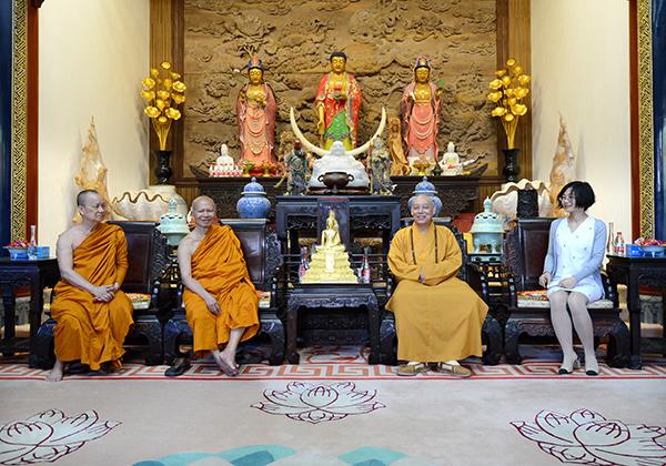 泰国拍蓬美提长老一行来山参访交流